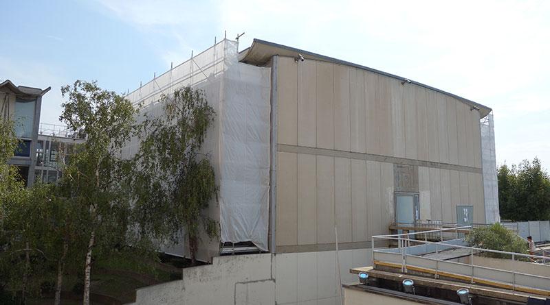Installation des échafaudages pour le chantier CRCN