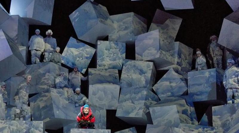 Everest, The Dallas Opera. scénographie numérique de Robert Brill.